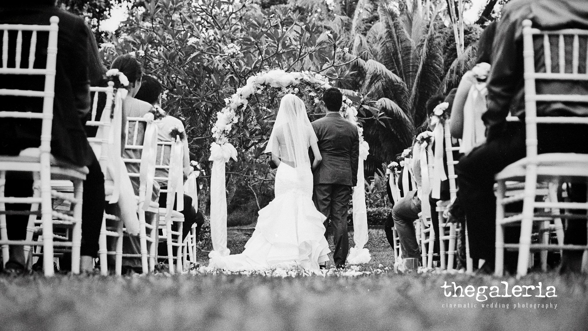 Wedding Photography: Brian Ho / thegaleria Wedding Gown: The Wedding Present Location: Suburbia @ Sentosa