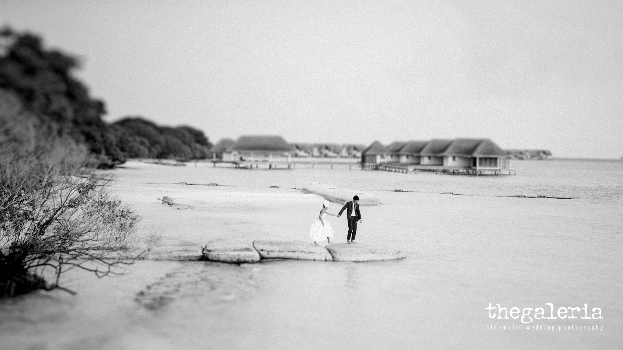 Maldives Pre-Wedding & Destination Weddings by Film Wedding Photographer Brian Ho from thegaleria. Film: Ilford Delta 100